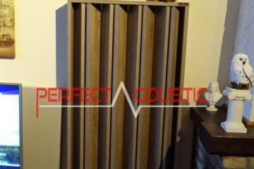 columnar acoustic diffuser of wood